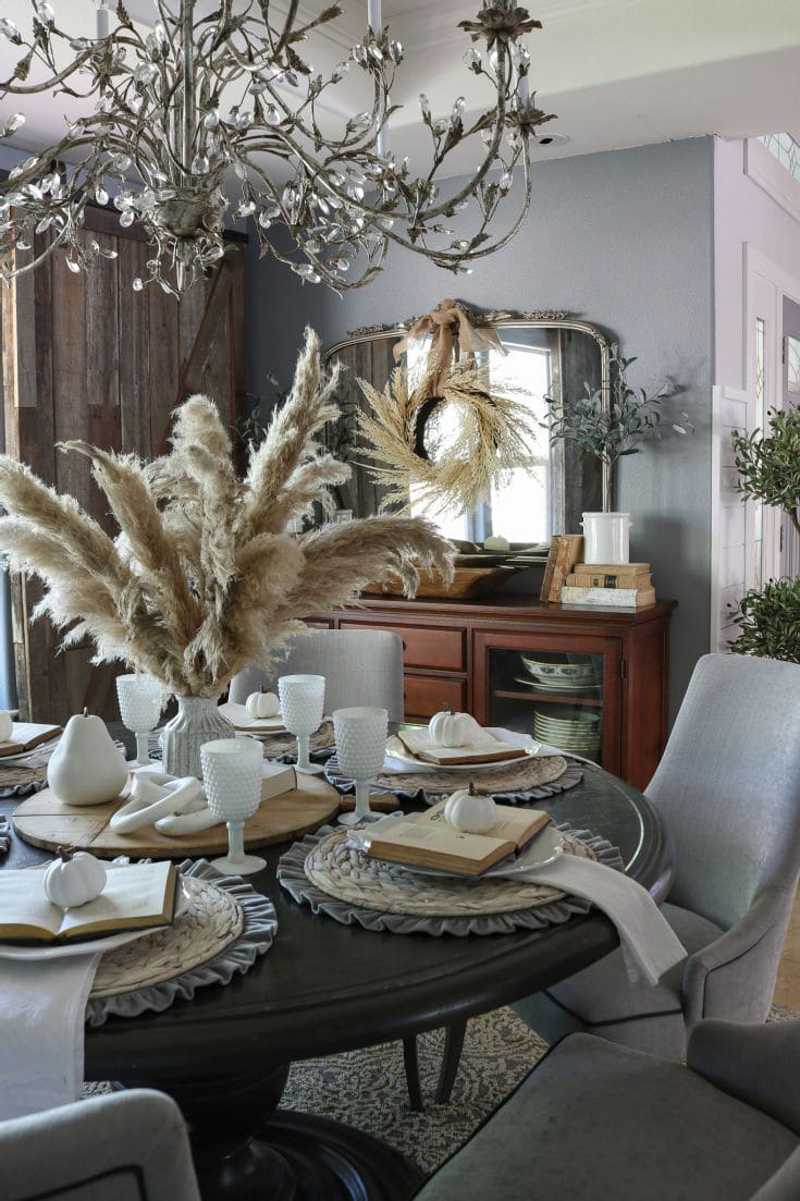 The drama and elegance of pampas grass looks beautiful in this eclectic decor